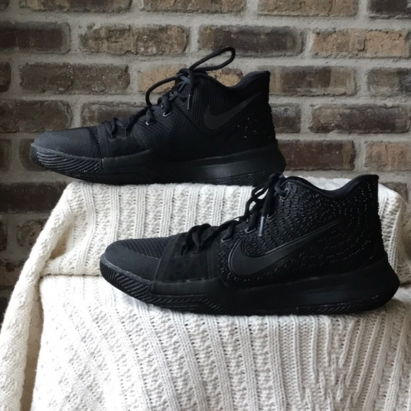 the best attitude 5d46b f269f Nike Kyrie Marble Triple Black Irving 3 GS